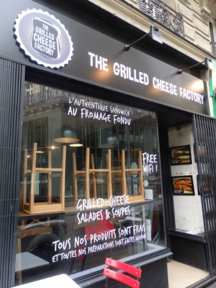exterior-grilled-cheese-factory-paris