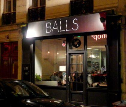 balls_paris_exterior