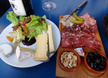 Comestibles_Paris_Cheese and charcuterie