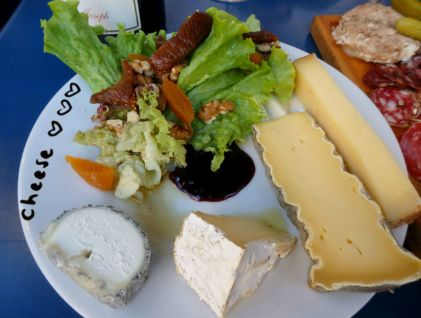 Comestibles_Paris_Cheese plate