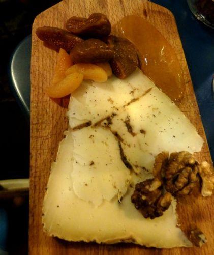 Comestibles_Paris_truffle pecorino