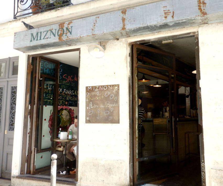 miznon_paris_exterior