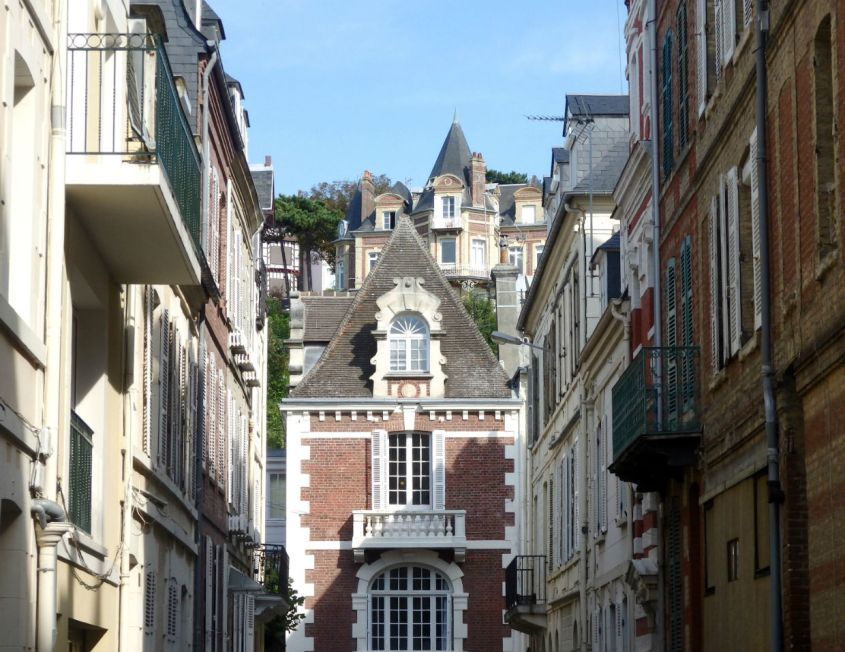 Town buildings_Trouville