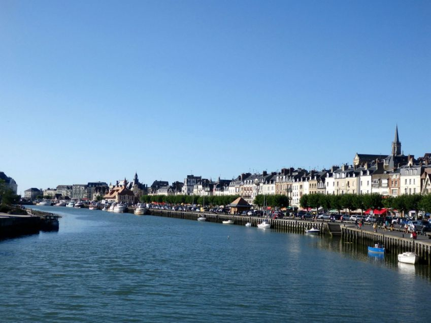 Trouville_boardwalk