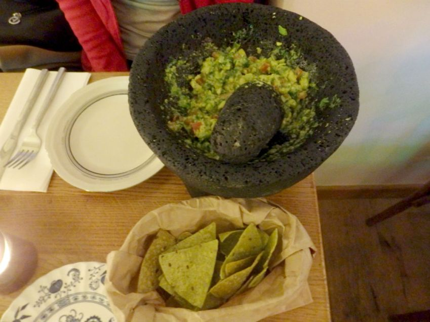 puce_paris-chips and guacamole