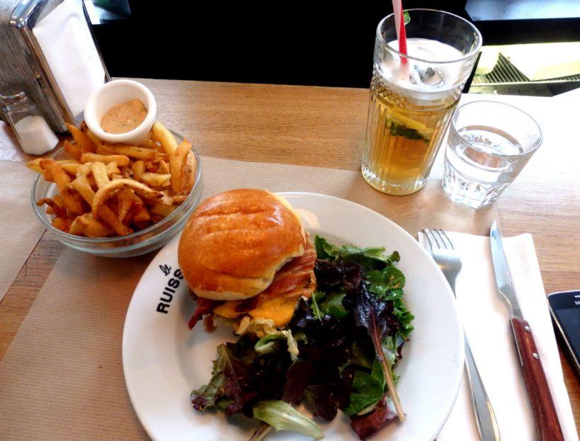 Le Ruisseau_Paris_burger and fries