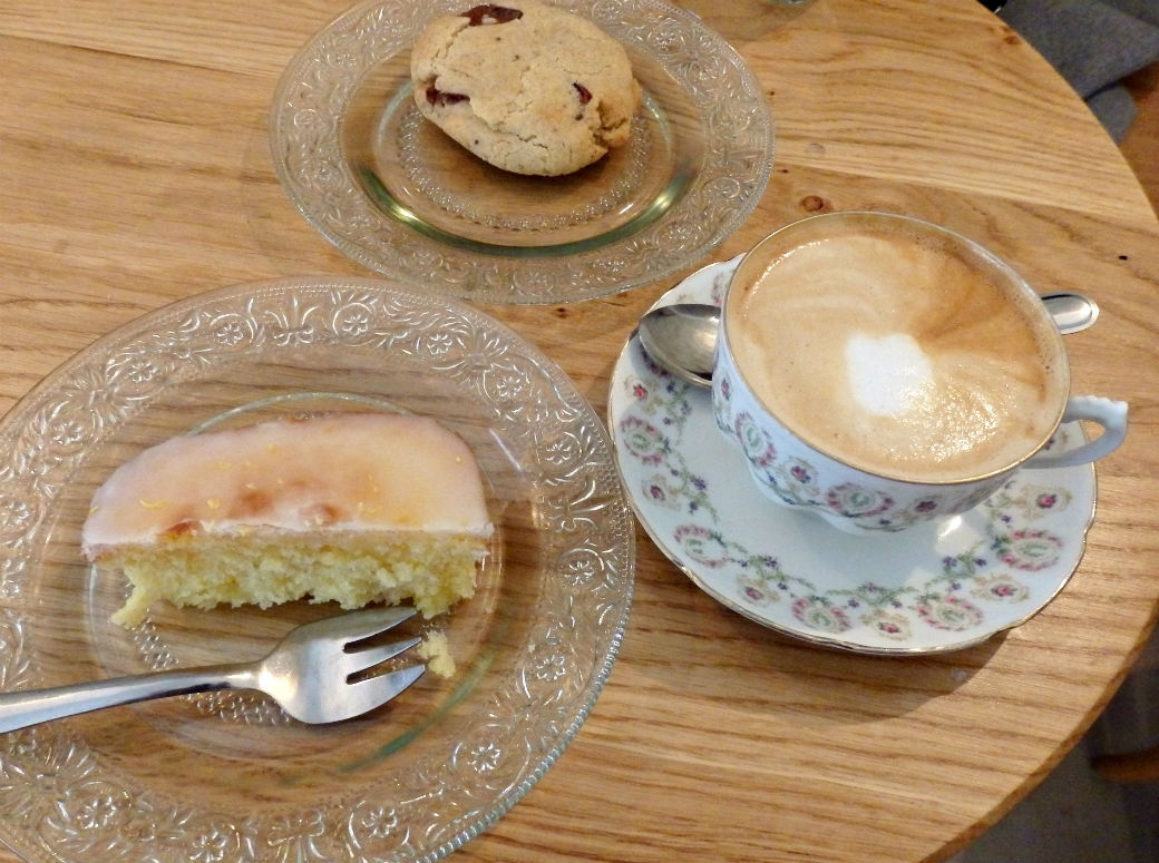 Coffee And Treats ~ Paris coffee shops café pimpin from your parisian